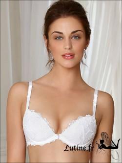 LISE CHARMEL DRESSING FLORAL Soutien-gorge Coques blanc