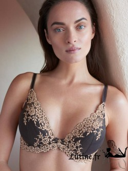 WACOAL EMBRACE LACE Soutien-gorge push-up coloris Ebony