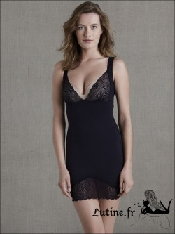 SIMONE PERELE TOP MODEL Robe sculptante noire